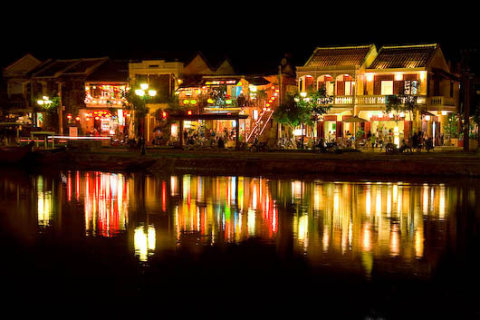 hoi-an-river-by-night-10699